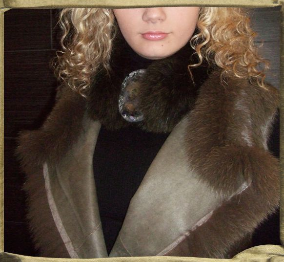 TARTAR leather and fur vest in khaki trimmed in fox.