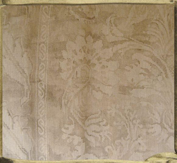 FONTAINEBLEAU watermark in natural Chekov linen.